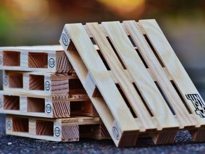 Come Costruire Una Sedia A Dondolo.Come Costruire In Giardino Un Dondolo Usando Soltanto Due Pallet
